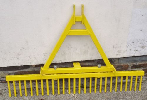 Rake with Detachable 3PT Linkage A-Frame
